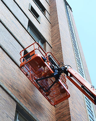 hss-orange-ladder-cincy-hospital-up